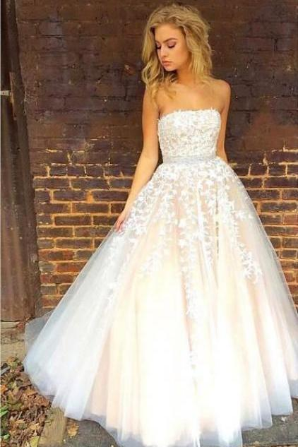 Elegant Prom Dresses,A-line Prom Dresses,Strapless Prom Dresses,Applique Prom Dresses,Long Evening Dresses,Party Dresses